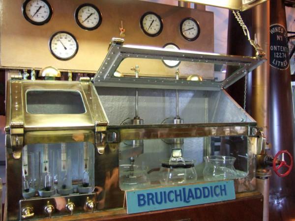 Bruichladdich Laddie GP mit Gläsern Islay Single Malt Whisky